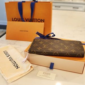 "LOUIS VUITTON ""Clemence"" Wallet w/Pink Interior"